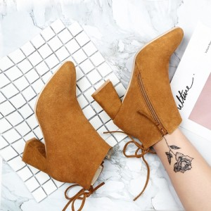 高跟短靴女秋2017新款粗跟尖头百搭靴子真皮马丁靴磨砂及踝靴女靴