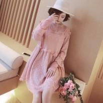 孕妇春装新款韩版缕空蕾丝孕妇连衣裙兔毛拼接宽松时尚打底裙