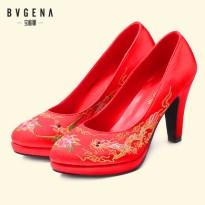龙凤褂绣花婚鞋红色复古女鞋单鞋新娘鞋结婚平底鞋中式高跟鞋
