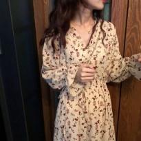 2019新款女装春装气质维多利亚复古法式超仙碎花连衣裙过膝长裙女